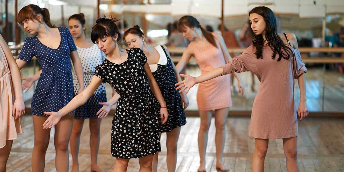 http://vocalcoachbarcelona.com/wp-content/uploads/2019/04/inner_dance_01.jpg