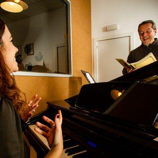 http://vocalcoachbarcelona.com/wp-content/uploads/2020/02/VOCAL-COACHING-01-320x320.jpg