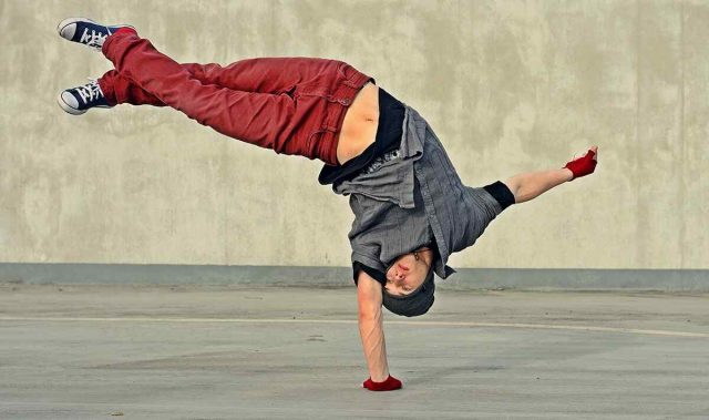https://vocalcoachbarcelona.com/wp-content/uploads/2019/04/inner_image_dance_01-640x379.jpg